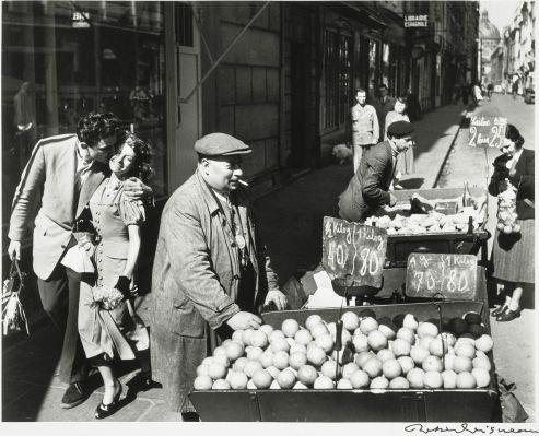 Robert Doisneau 'Amoureux aux oranges'
